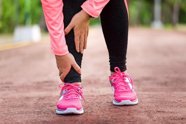 de ce se umfla picioarele si mainile