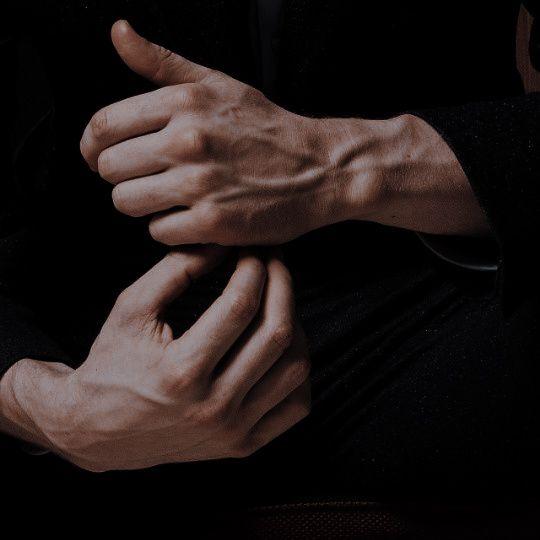 articulație pe cea de-a doua degetul doare