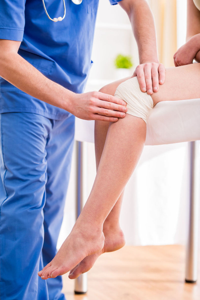 reduce durerea la genunchi