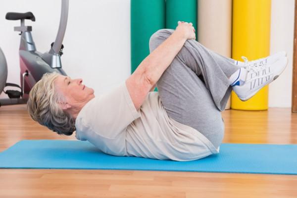 Osteoartrita genunchiului: tratament nechirugical prin exercitii la domiciliu