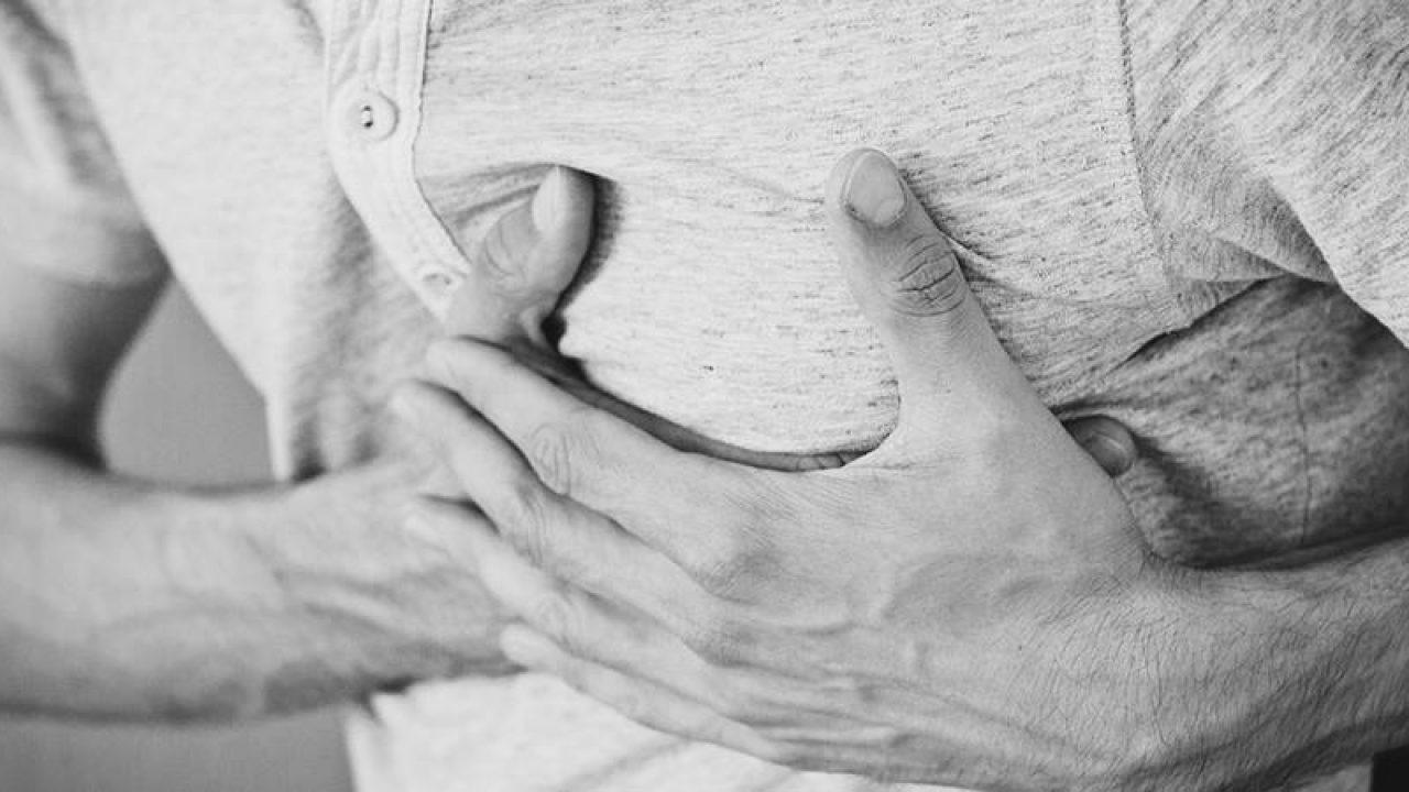 inflamația cartilajului toracic cum să tratezi o articulație dureroasă a brațului