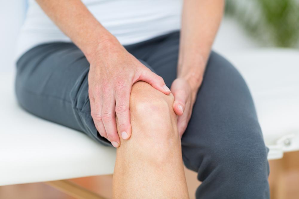 umflături și dureri la genunchi tratamentul articulației umăr deformante
