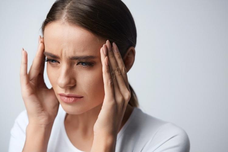 Totul despre migrene: cauzele aparitiei, simptome si tratament