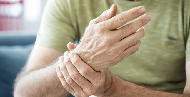 vindeca artrita in brate