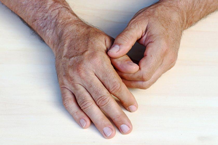 articulația doare în deget