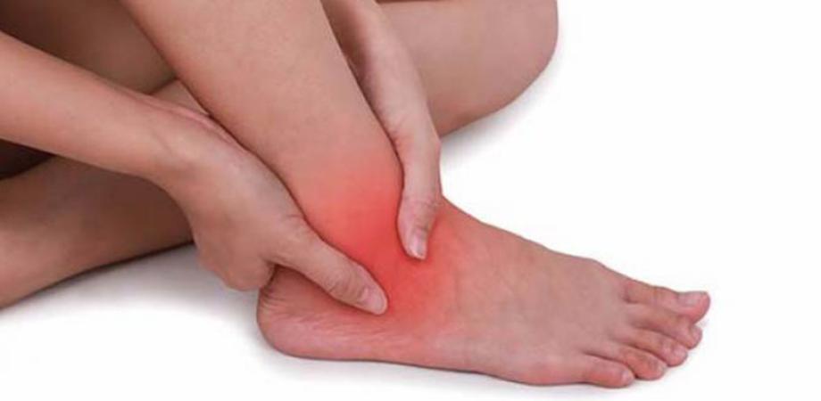 glezna umflată pe un picior