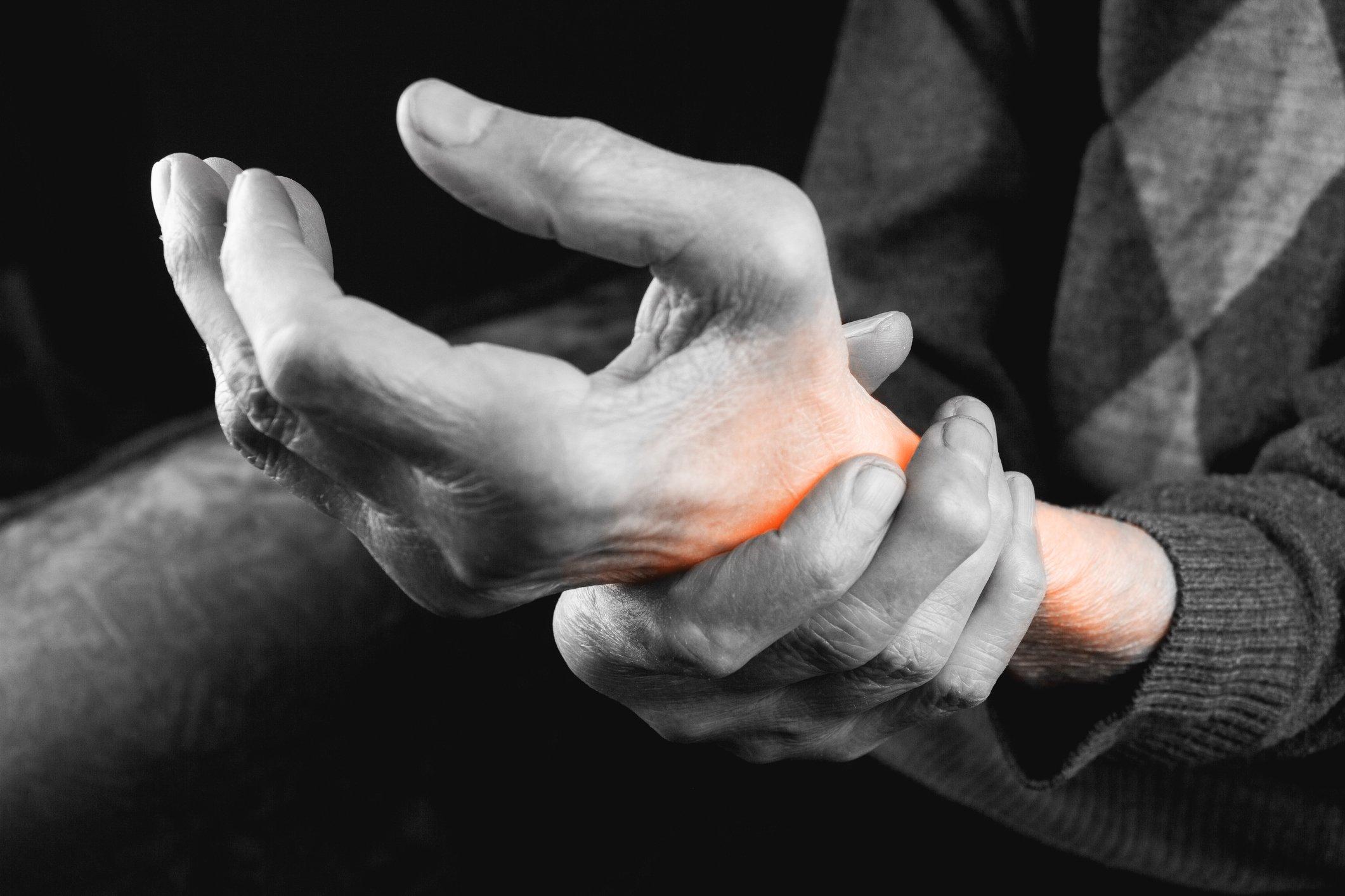 Artrita degetului mare, Articulațiile de pe degete nu se îndoaie