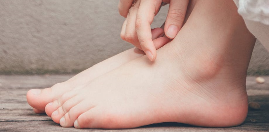 articulațiile genunchiului și gleznei