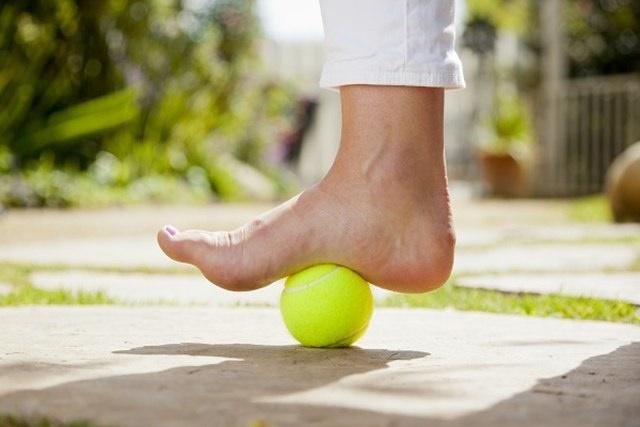 înot cu artrita genunchiului