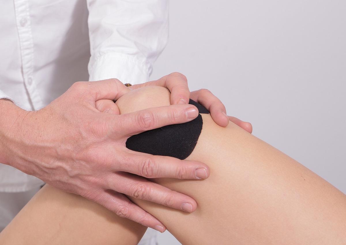 durerea articulară începe cu mâinile puteți bea gelatină pentru durere în articulații